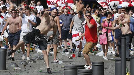 Euro 2016 : la Russie prépare la défense de trois supporters jugés à Marseille