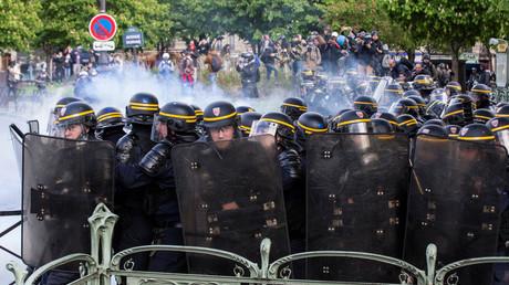 Loi travail : le préfet de police interdit la manifestation de jeudi à Paris