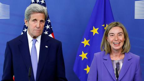 Le chef de la diplomatie américaine est parti à la rencontre de son homologue de l'Union européenne, Federica Mogherini