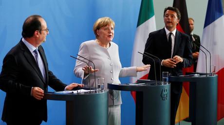 Le président français François Hollande, la chancelière allemande Angela Merkel et le Premier ministre italien Matteo Renzi, lors d'une conférence de presse après avoir discuté des conséquences du Brexit, à Berlin le 27 juin 2016.