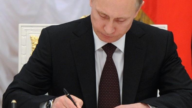«La loi renseignement» russe signée par Vladimir Poutine