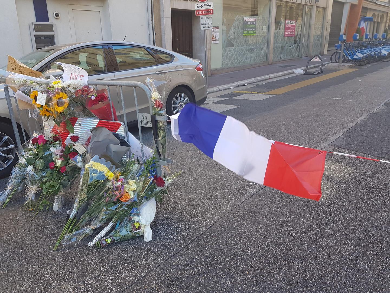 Les hommages se multiplient à Nice après la pire tragédie qu'ait connu la ville dans sont histoire récente