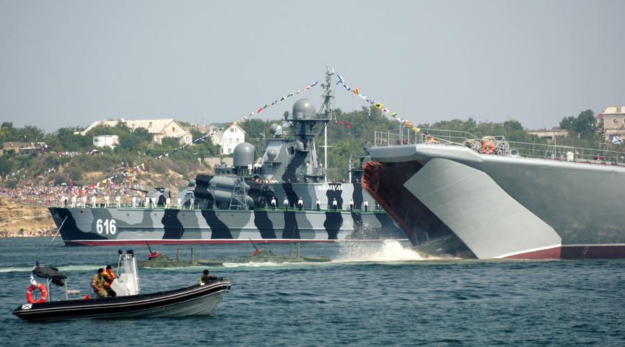 La Russie célèbre le Jour de la Marine à travers le pays avec spectacles et parades (PHOTOS, VIDEO)