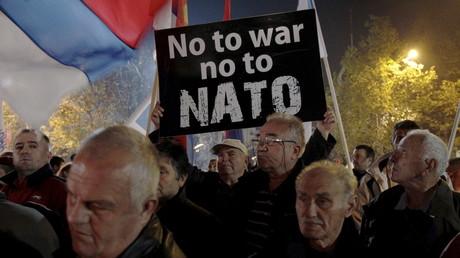 Démonstration anti-OTAN à Monténégro, décembre 2015.