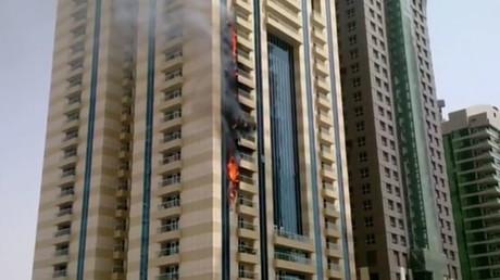 Dubaï : un gratte-ciel de 75 étages livré aux flammes (PHOTOS, VIDEO)