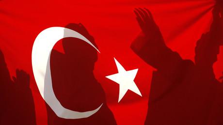 De nombreux incidents en France après la tentative de coup d'Etat en Turquie (VIDEOS)