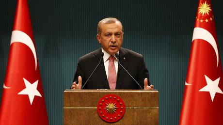 Coup d'Etat en Turquie : il doit «se mêler de ses affaires», lance Erdogan à Jean-Marc Ayrault
