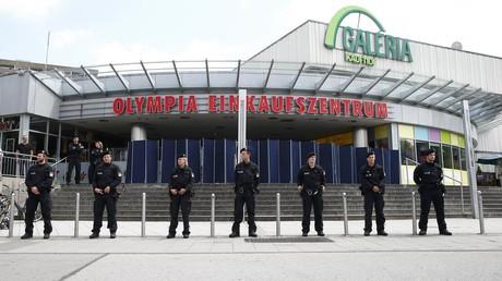 Fusillade à Munich : la classe politique française sur les répercussions possibles sur Merkel
