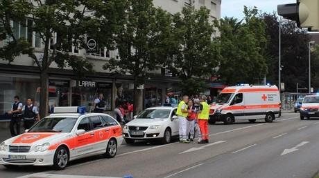 Armé d'une machette, un réfugié syrien fait un mort et deux blessés à Reutlingen en Allemagne