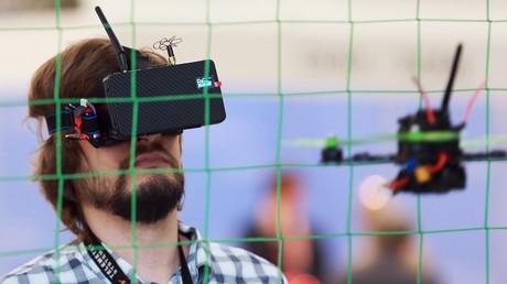 Images vertigineuses d'une compétition de Drone Racing
