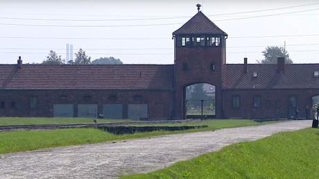 Le pape François se rend au camp de concentration d'Auschwitz