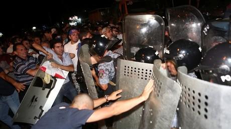 Tensions en Arménie : 165 personnes arrêtées après des affrontements avec la police