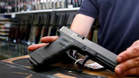 Les Allemands se ruent sur les armes d'autodéfense dans la peur de nouvelles attaques