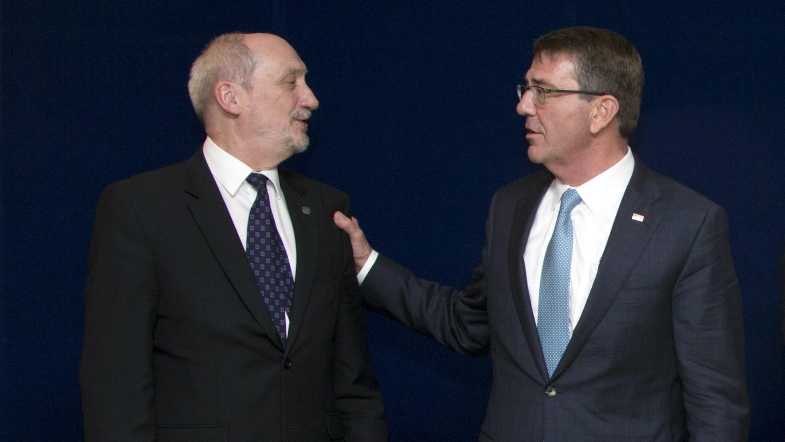 Le ministre de la Défense polonais Antoni Macierewicz avec son homologue américain Ash Carter