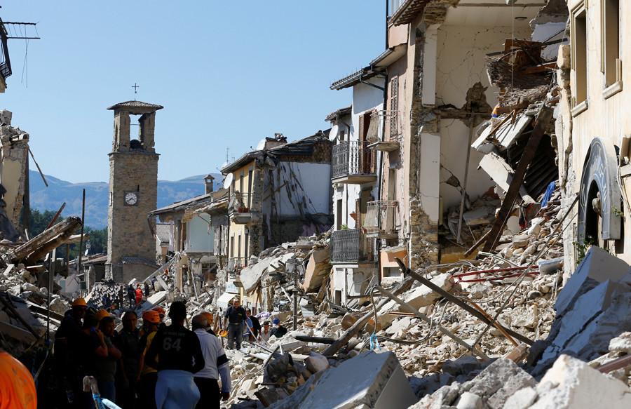 Un nouveau séisme frappe l'Italie, le bilan s'alourdit, passant à 241 morts (PHOTOS)