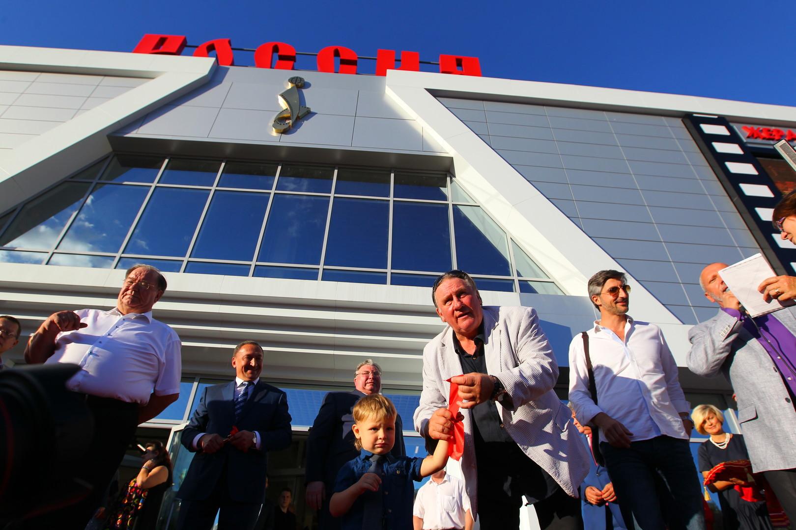 Gérard Depardieu inaugure un centre cinématographique à son nom en Russie (VIDEO)