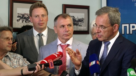 Conférence de presse des députés français après leur visite en Crimée