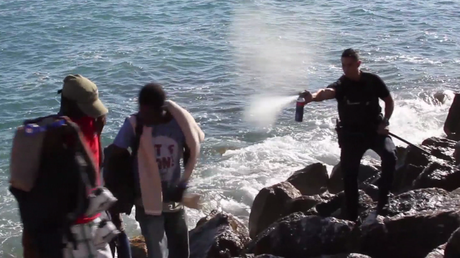 Venus d'Italie, des migrants tentent de gagner Menton, malgré la présence de la police