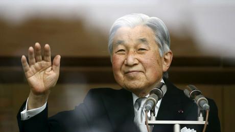 Japon : vieillissant, l'empereur laisse entendre qu'il pourrait abdiquer