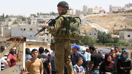 Checkpoint de l'armée israélienne au camp d'al-Fawwar en juillet 2016