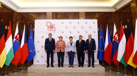 Le Premier ministre slovaque Robert Fico, la chancelière allemande Angela Merkel, la Premier ministre polonaise Beata Szydlo, le Premier ministre hongrois Viktor Orban et le Premier ministre tchèque Bohuslav Sobotka