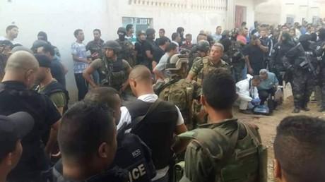Les forces de sécurité tunisiennes après l'assaut