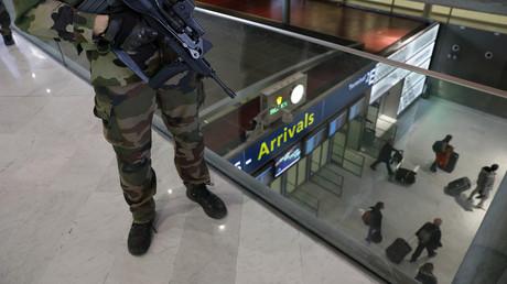 «Aucun contrôle aux frontières» : de retour de Syrie en France, un activiste français témoigne