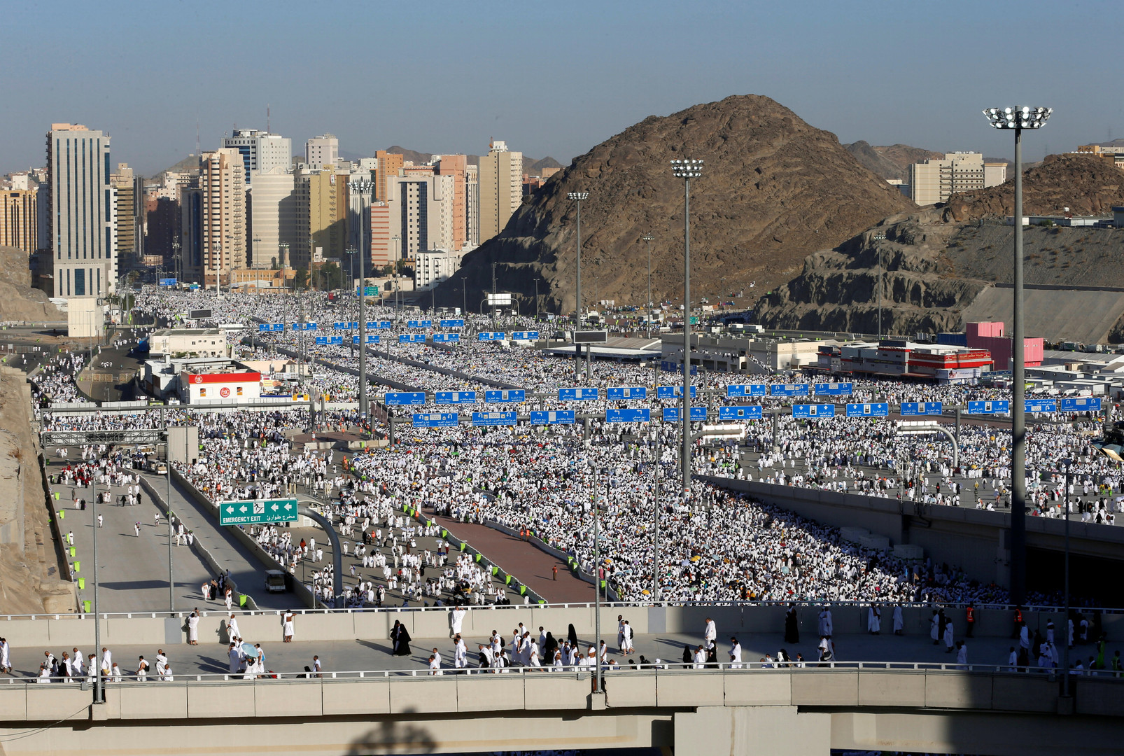 Des pèlerins musulmans se rendant à Mina, près de La Mecque, au premier jour de l'Aïd el-Kebir.