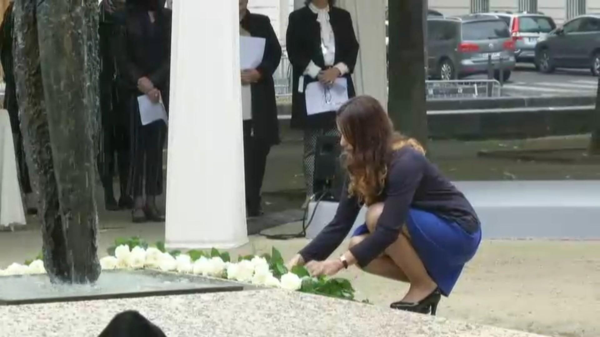 «Rien ni personne ne pourra atténuer nos peines» : l'émouvant hommage aux victimes des attentats