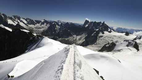 Mont-Blanc : 110 personnes bloquées dans des télécabines libérées, le téléphérique remis en marche