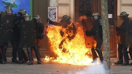 Des jets de cocktails Molotov ont notamment marqué la manifestation à Paris