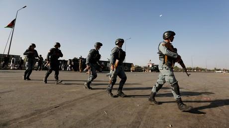 Des policiers afghans