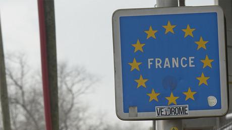 Nord : deux policiers belges interpellés avec des migrants et questionnés par la police française