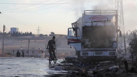 Camion d'aide humanitaire endommagé après l'attaque à l'ouest d'Alep, Syrie, le 20 septembre 2016.