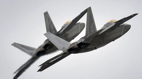 Avions de chasse américaines F-22 Raptor