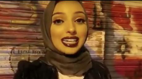 Hijab : une jeune femme voilée devient la nouvelle égérie de Playboy
