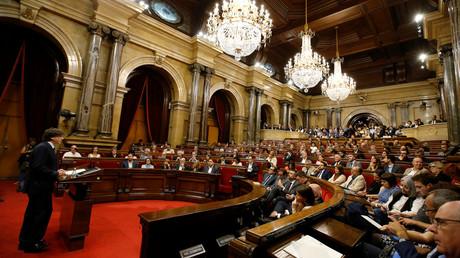 Le président catalan devant le parlement