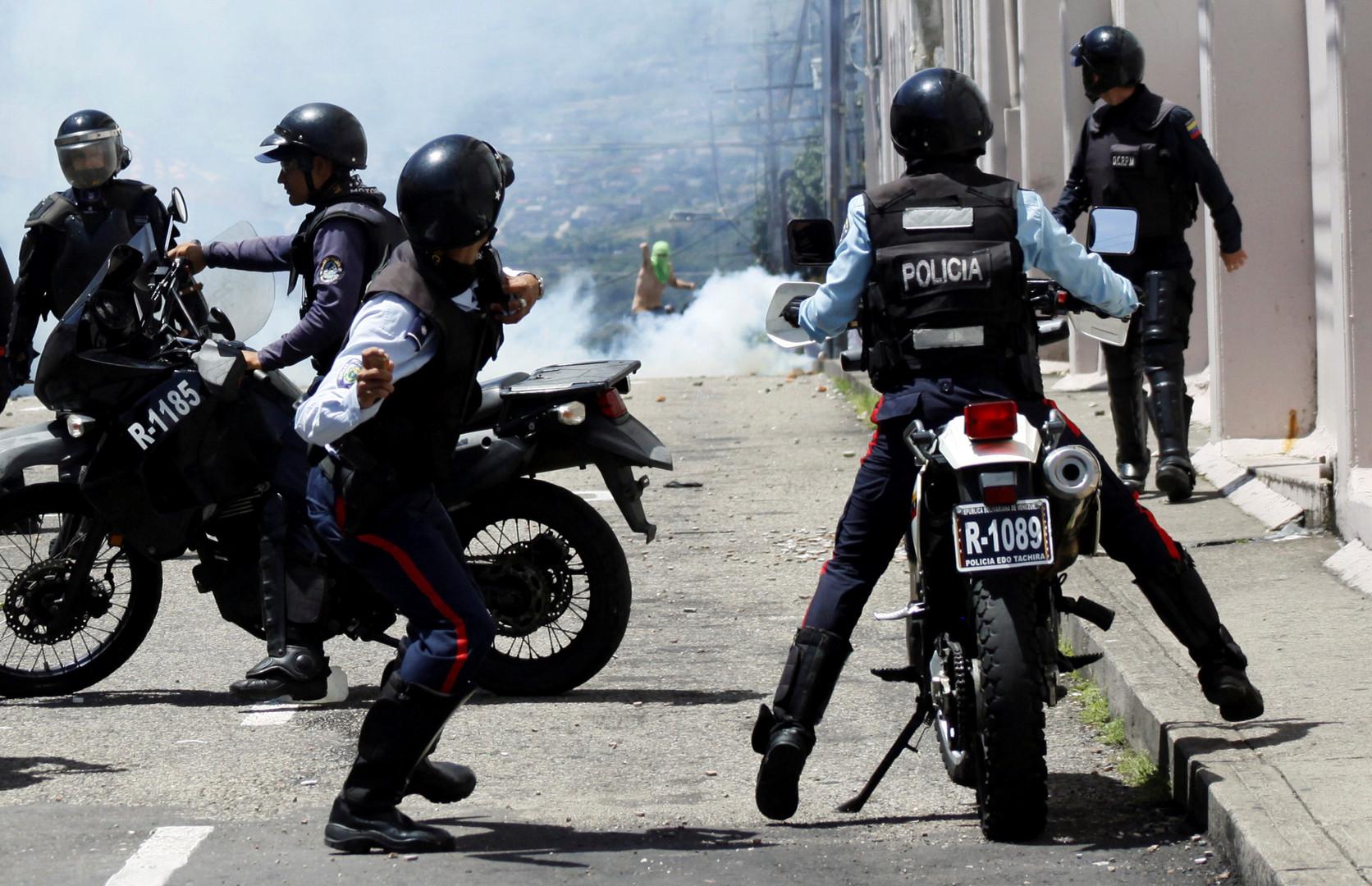 «Aucun dialogue n'a commencé» avec le gouvernement venezuelien : l'opposition affronte la police