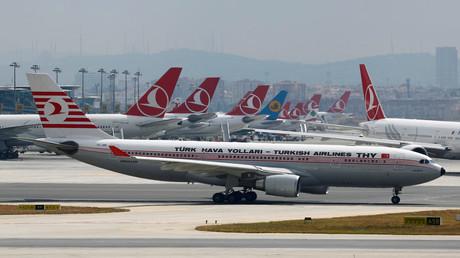 La France interdit à deux pilotes de Turkish Airlines de survoler son espace aérien