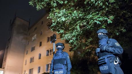 Des policiers à Chemnitz, Allemagne.