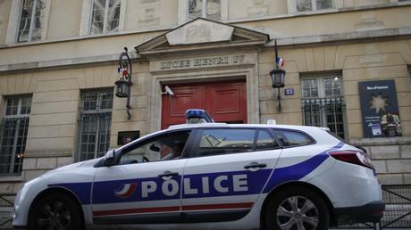 Le Premier ministre Manuel Valls souhaite rassurer des membres des forces de l'ordre inquiets depuis l'agression subie par leurs collègues