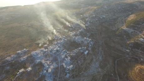 Dans l'œil d'un drone : l'armée syrienne lance des frappes sur les positions des terroristes (VIDEO)