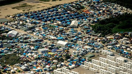Une vue aérienne de la «Jungle» de Calais (photo prise le 16 août 2016)