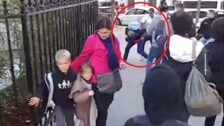 Un partisan de la Manif pour tous violenté devant sa famille par un contre-manifestant (VIDEO)