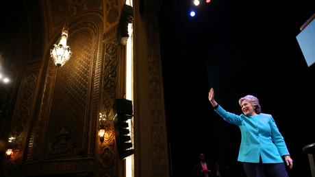 Ex-agent de Clinton : «Elle est complètement incompétente et ne devrait jamais devenir présidente»