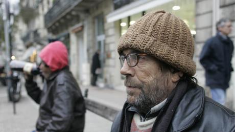 Photo de SDF prise dans une rue du centre ville de Bordeaux, le 25 novembre 2004, alors que le froid s'installe dans la région.