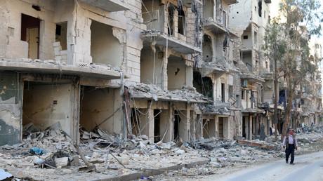 Les bâtiments endommagés dans un quartier d'Alep contrôlé par les combattants islamistes