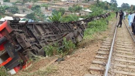 Cameroun : 55 morts et près de 600 blessés dans le déraillement d'un train de voyageurs (VIDEO)