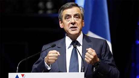 Gestation pour autrui : François Fillon ne veut plus de la Cour européenne des droits de l'Homme