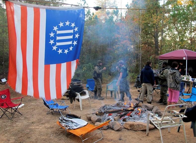 Une milice américaine se prépare à «combattre et tuer» si Clinton «volait» l'élection (IMAGES)